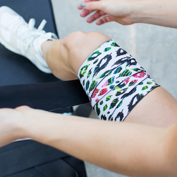 Owijka na kolano(para) Exosleeve MULTI COLOR CHEETA KNEE WRAPS